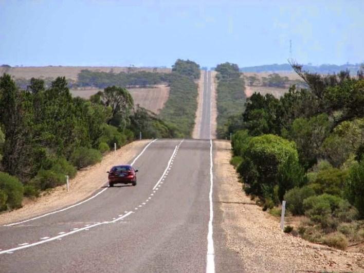 EYRE HIGHWAY AUSTRALIA