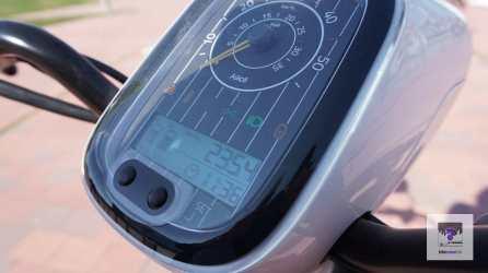 Die Geschwindigkeitsanzeige vom eCooltra