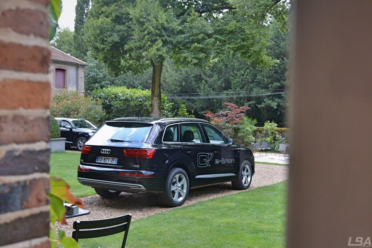 Audi-Q7-etron-42