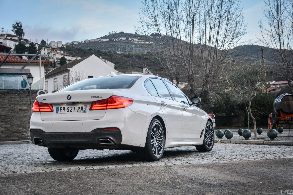 BMW-Serie-5-530d-M-sport-rear