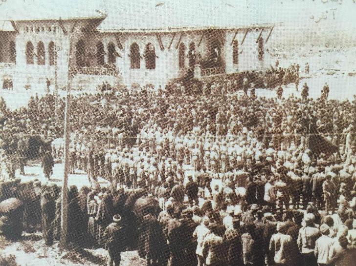 Türkiye Büyük Millet Meclisi Açılış Fotoğrafı - 23 Nisan 1920