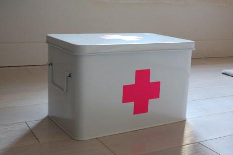 Boîte pharmacie Hema