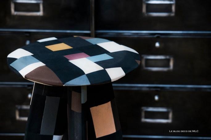 Selection-boutique-Kaolin-tabouret-tongs-dessus