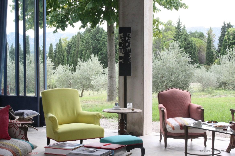 maison-en-provence-fauteuils-louis-15-couleurs