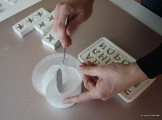 DIY-déco-facile-étoiles-et-lettres-en plâtre-mélange-mix