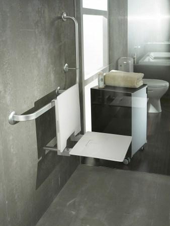 Aménagement-des-salles-de-bains-spécial-séniors-LAPEYRE-siège-de-douche