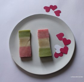 DIY-ST-Valentin-Coeur-gourmand-pate-amande-coupée