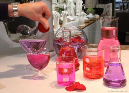 DIY-Saint-Valentin-une-jolie-composition-roses-pétales-rose