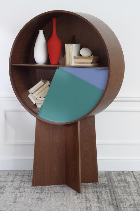Design-la-couleur-s-invite-sur-les-meubles-en-bois-Luna-Cabinet-Patricia-Urquiola