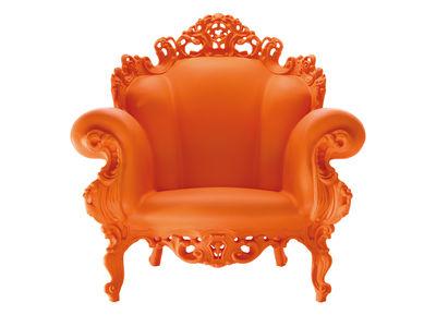 Couleur-orange-mandarine-pour-cet-été-fauteuil-magis