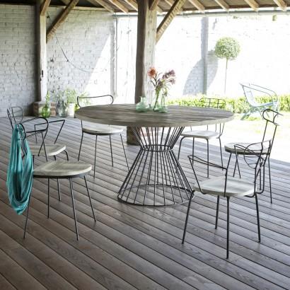 Quelles-tables-chaises-extérieur-choisir-nouveautés-table-de-jardin-en-metal-et-bois