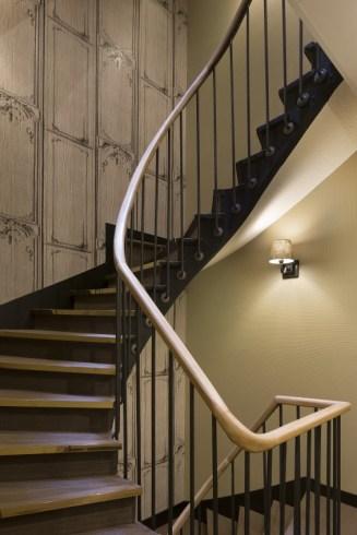 papier-peint-escalier--deco-cosy-hotel-nemours