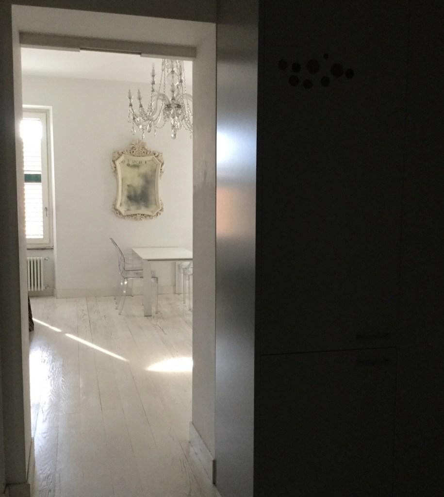 7-idée-deco-salle-a-manger-moderne-blanche-