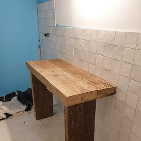 fabriquer-meuble-de-salle-de-bain-bois-etabli-montage