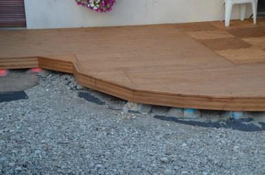 terrasse en douglas originale et fonctionnelle