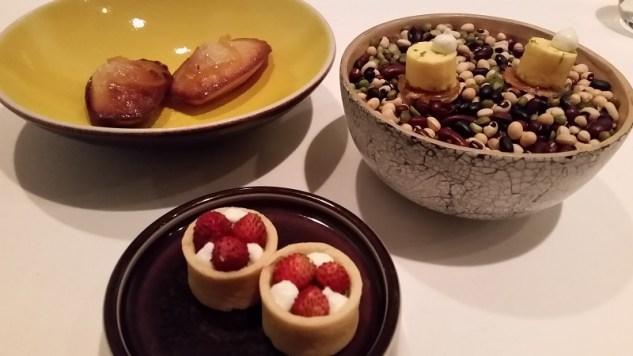 Madeleines, tartelettes fraise des bois et mignardise nougatine