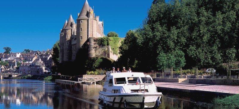 Croisière Fluviale Bretagne - Bateau sans Permis | Le Boat