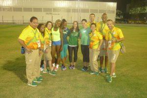 Une petite partie de l'équipe d'athlétisme du Brésil