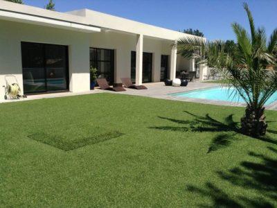 installer une pelouse synthétique