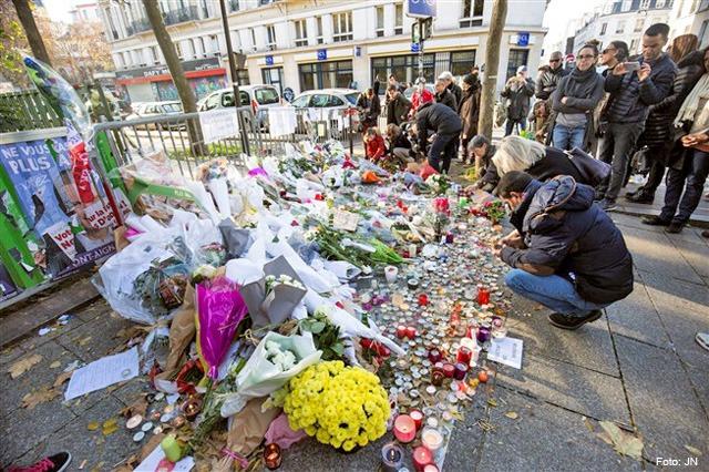 paris-memorial-vitimas