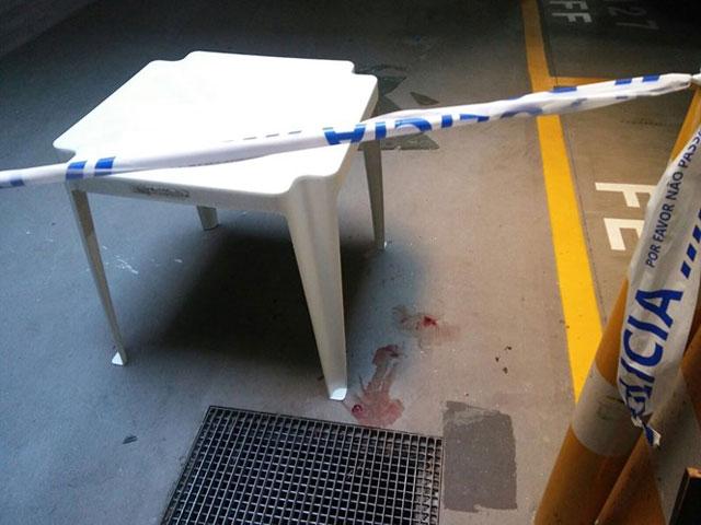 Criança ferida ao cair de clarabóia térrea em Matosinhos
