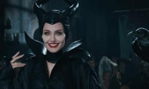Maleficent-Angelina-Jolie-e-sublime-ma-Pregi-e-difetti-del-film-620x372