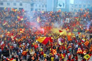 tifosi del Lecce nell'anfiteatro romano