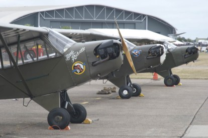 Piper L-4 Grasshopper x3 - 02 Flying Legends 2015