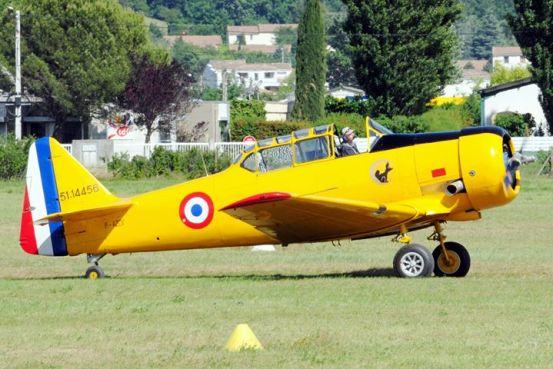 T-6 F-AZCV à Montélimar en 2011 (Photo © Christian R)