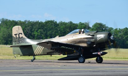 Douglas Skyraider AD-4NA F-AZHK ( Photo © Jean-Pierre Touzeau )