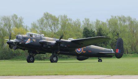 Le Lancaster Just Jane en Août 2013 ( Photo © Claude Tougard - Les Ailes Anciennes du Bourget pour LEB )