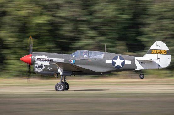 Curtiss P-40N F-AKZU 42-105915 ( Photo © Damien Defever )