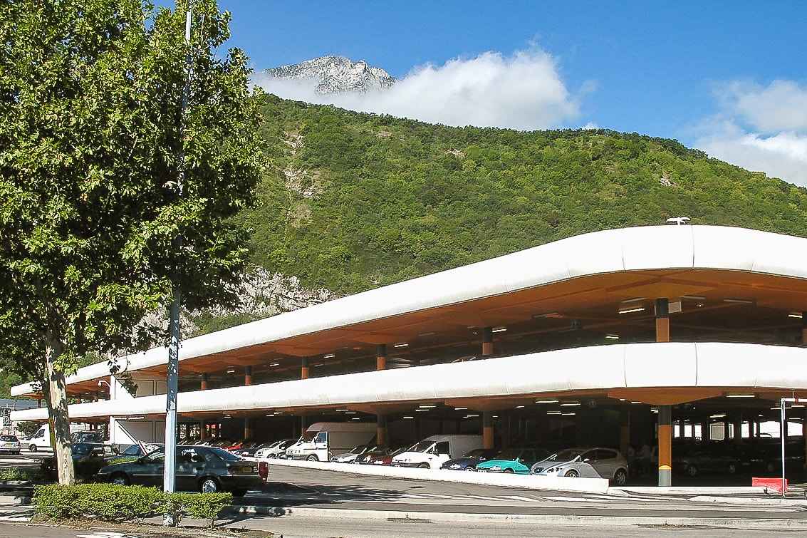 supermarkets in grenoble