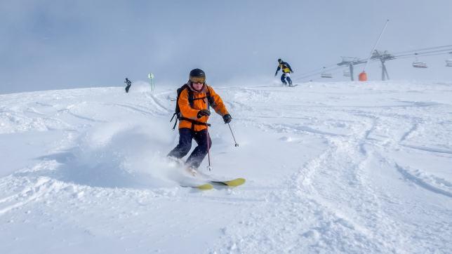 powder ski holiday in oz