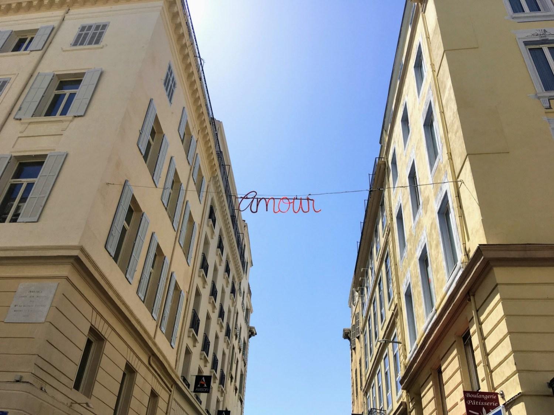 Jolie suspension dans les rues de Marseille, à découvrir lors des Journées du Patrimoine.