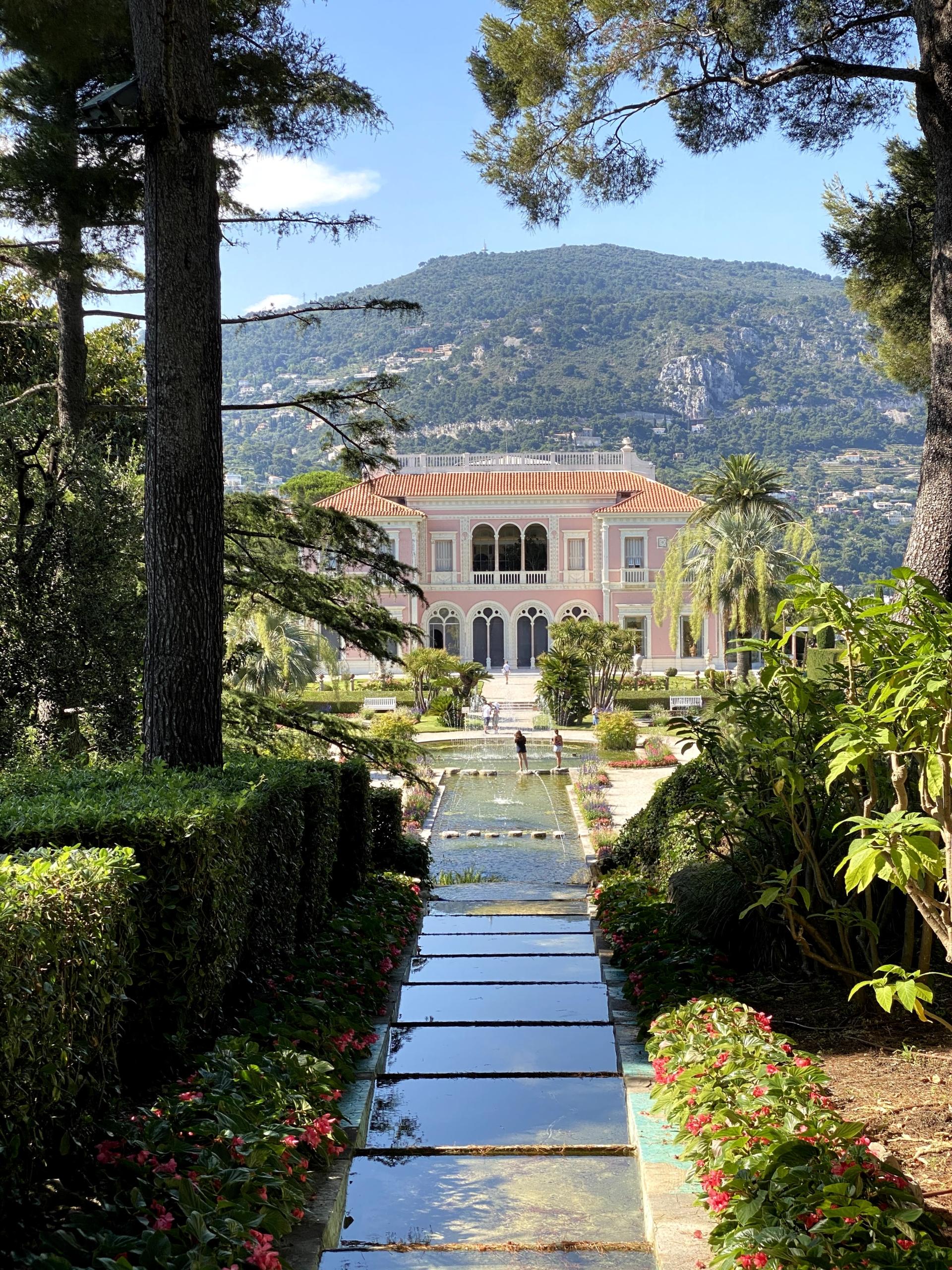 Sublime villa Ephrussi sur la Côte d'Azur.