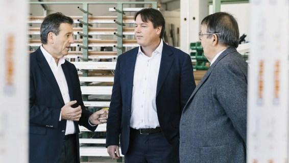 De gauche à droite : Luis Oberrauch (vice-président du conseil d'administration), Joachim Oberrauch (membre du conseil d'administration), Hans Oberrauch (président du conseil d'administration).