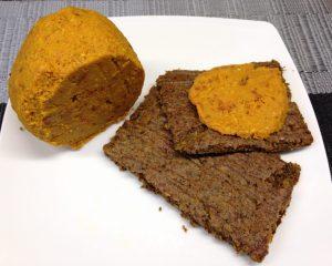 Rohkost Brot mit veganem Cheddar Cheese