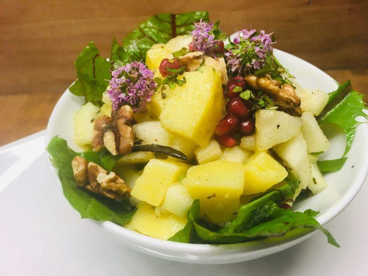 Kartoffel Birnen Salat mit Leinöl-Balsamico Dressing