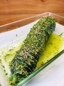 Hasselback Zucchini mit Pesto
