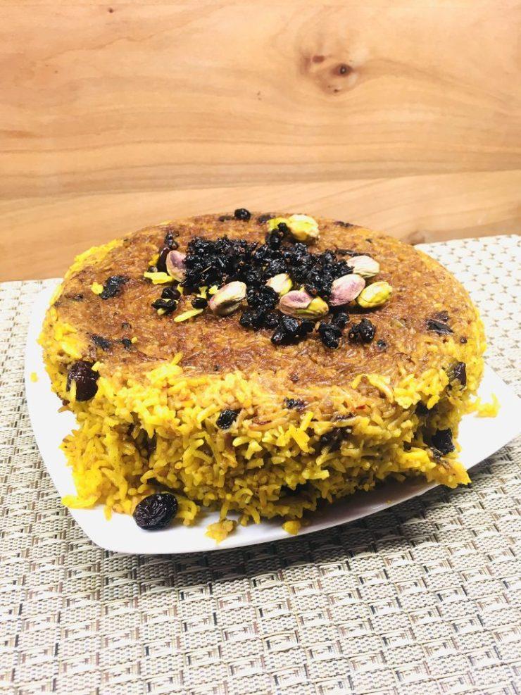 Persischer Berberitzen Reis mit Safran und Tahdig Kruste