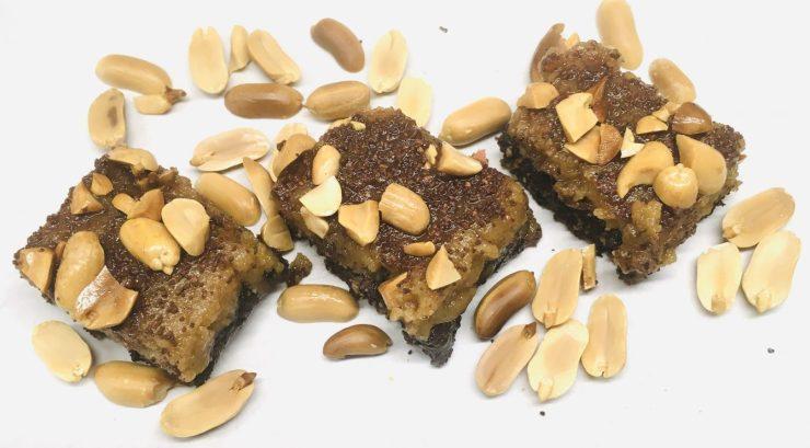 Erdnussbutter Karamell Fudge Brownies