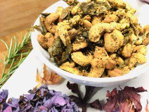 Bali Cashews mit Curry- und Limettenblättern