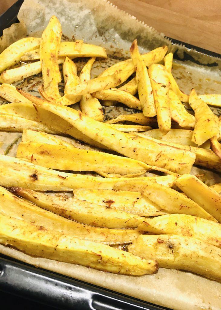 Pastinaken und Süßkartoffel Pommes