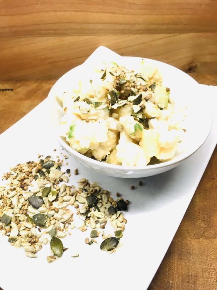 Blumenkohl Salat mit Birnen und Birnen Miso Dressing
