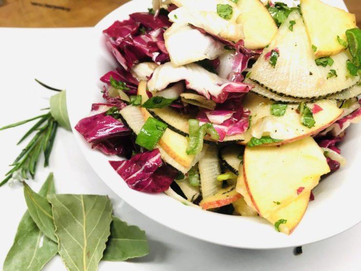 Schwarzer Rettich mit Apfel und Radicchio Salat