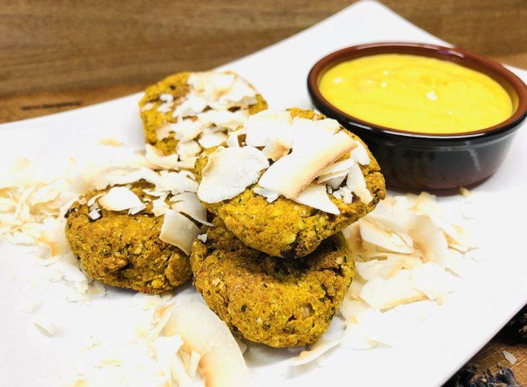Kokos Curry Falafel mit Orangen Ingwer Tahini