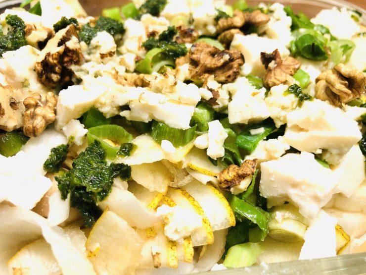 Chicorée Salat mit Birne, Walnüssen und Roquefort