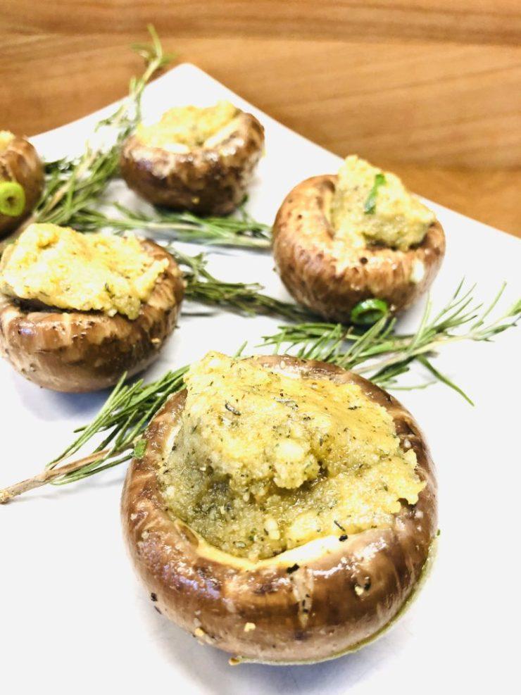 Gefüllte Champignons mit Mandel Knoblauch Paste