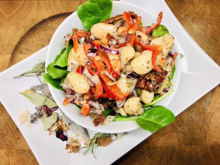 Weiße Bohnen und Artischoken Salat